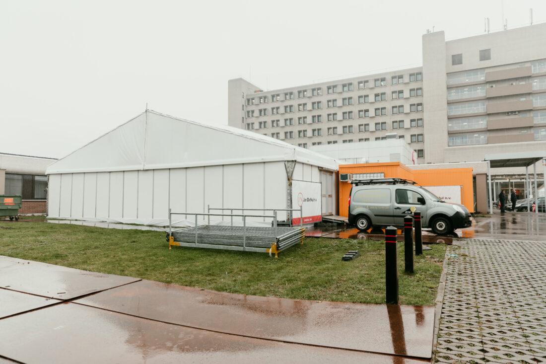 Tent aan ASZ klaar: tijdelijke spoeddienst voor Covidpatiënten
