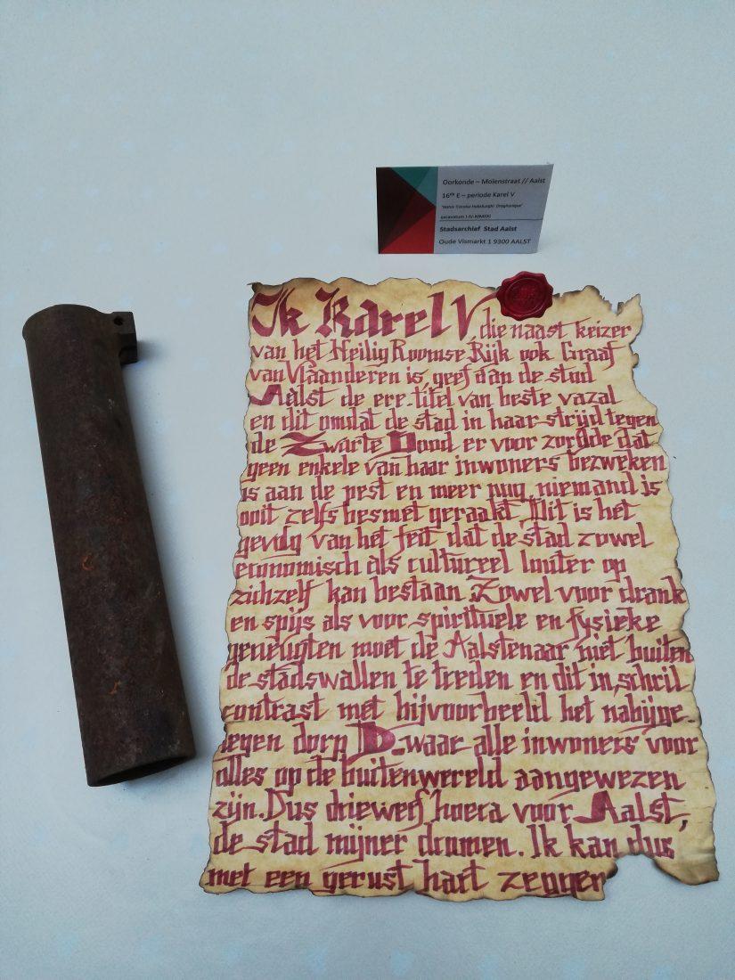 """Perkament van Keizer Karel V gevonden bij archeologische opgravingen: """"ik geef Aalst de eretitel beste vazal"""""""